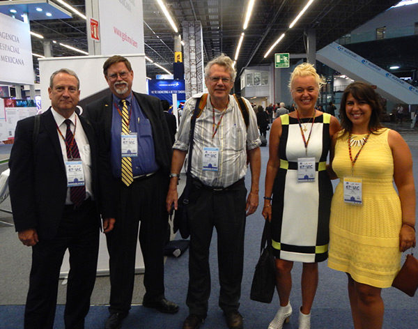 NSS members at the Expo during IAC2016