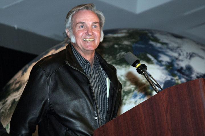 2006 ISDC Burt Rutan speaking