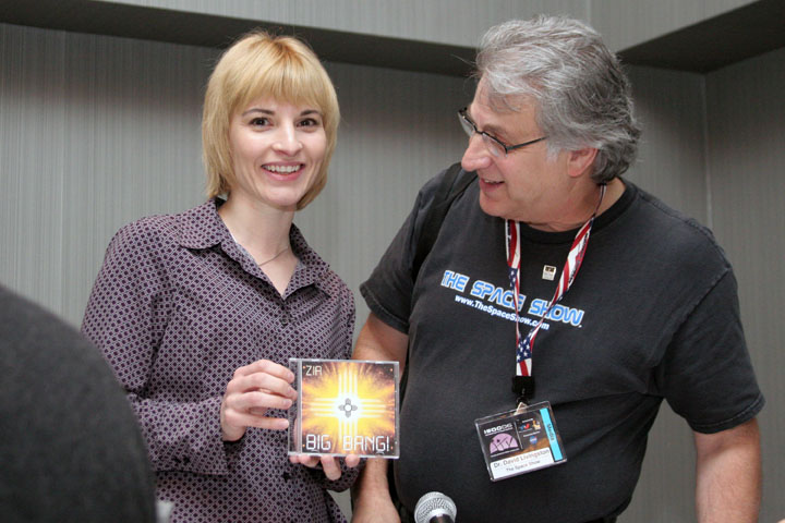 Elaine Walker of Zia and Dr. David Livingston of The Space Show at 2006 International Space Development Conference