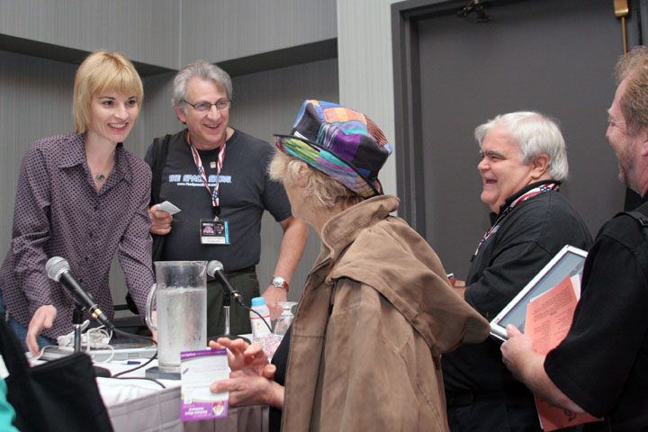 Elaine Walker of Zia and fans at 2006 International Space Development Conference