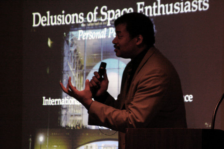 Neil deGrasse Tyson speaking at 2006 International Space Development Conference
