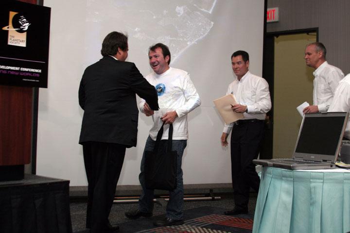 2006 ISDC Dale Amon Congratulates Virgin Galactic Team