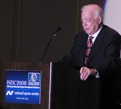 Hugh Downs at the 2008 International Space Development Conference