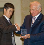 2009 ISDC Eric Yam with Buzz Aldrin
