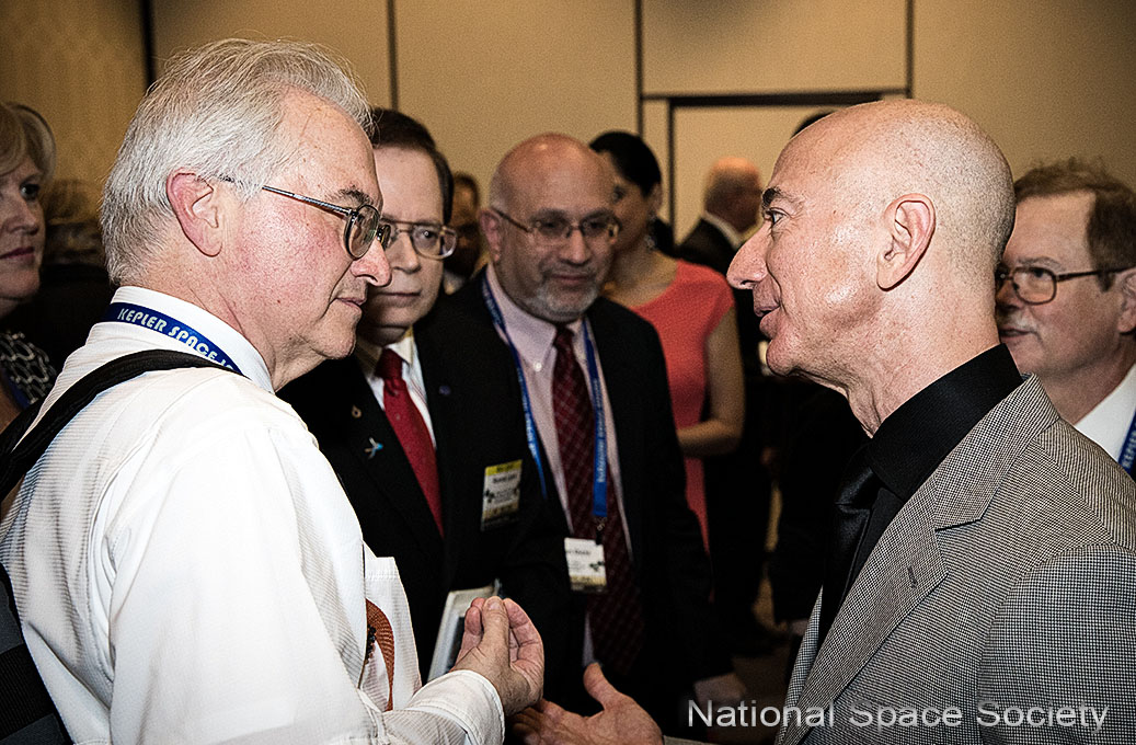 Jim Plaxco and Jeff Bezos, 2018 International Space Development Conference