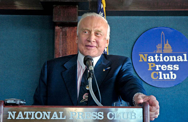 buzz aldrin at national press club space solar power 2007 press conference